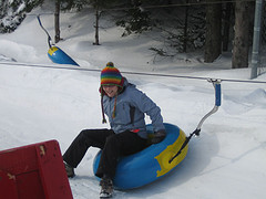 116873369_a90bee205a_m_snow-tubing
